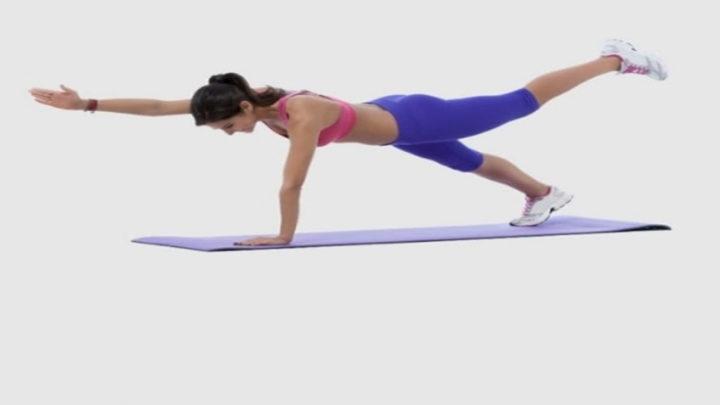 На пути к плоскому животу: 5 упражнений по 9 минут в день
