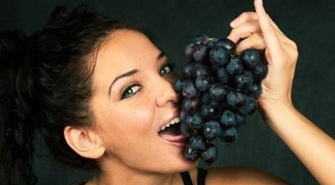 11 фруктов и ягод, которые ученые рекомендуют есть вместе с косточками
